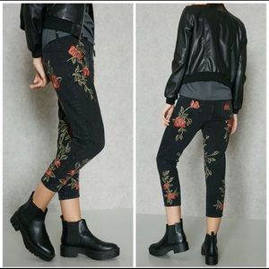 Topshop Moto Embroidered Rose Mom Jean